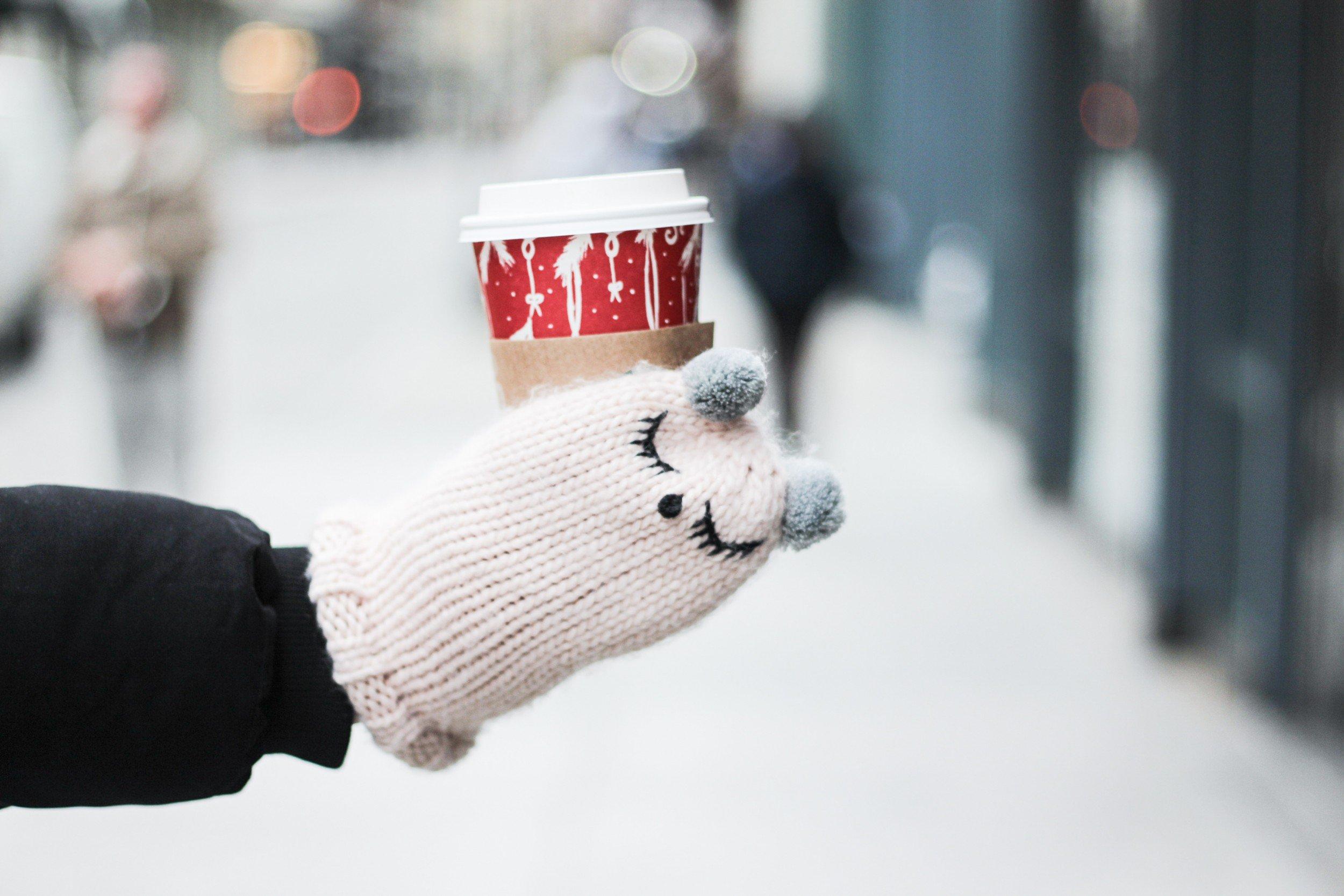 cute mittens starbucks mug acie blog (1 of 1)